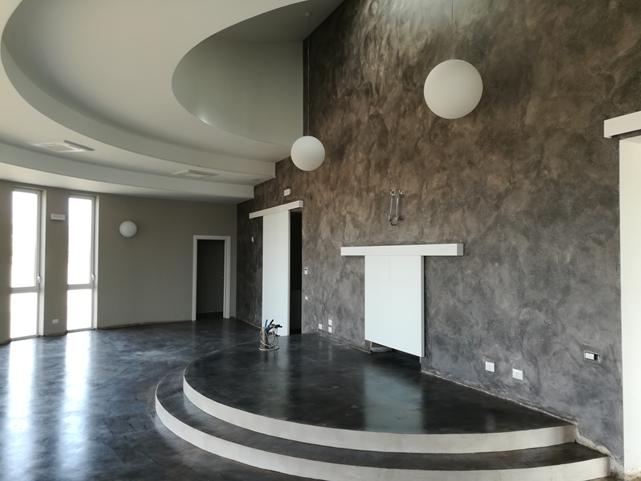 un'immagine dell'interno  del tempio crematorio di Civitavecchia
