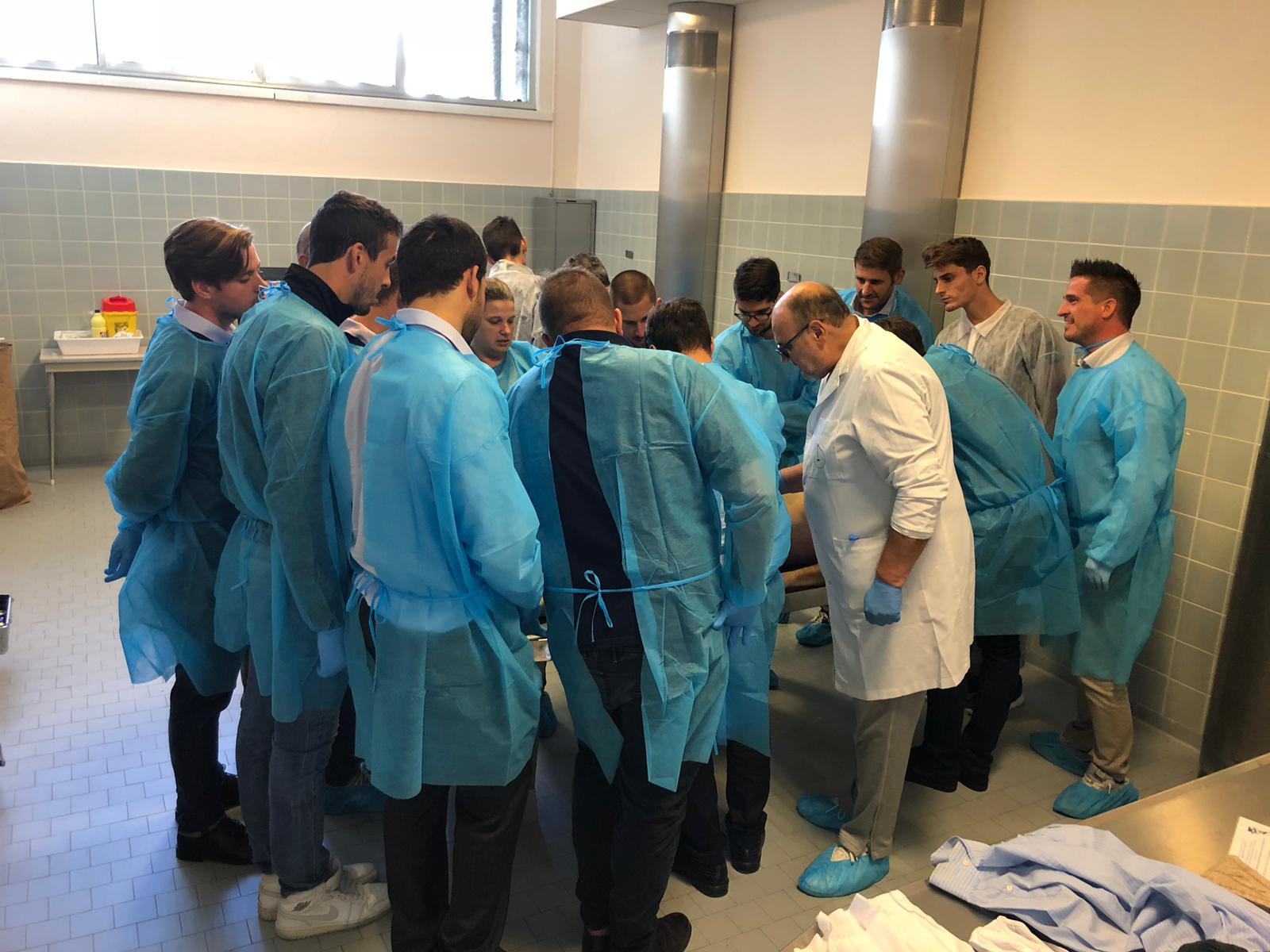 corso di Tanatoestetica Federcofit: un momento del laboratorio a Treviso