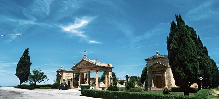 http://www.terredelpiceno.it/monumenti/cimitero-monumentale/